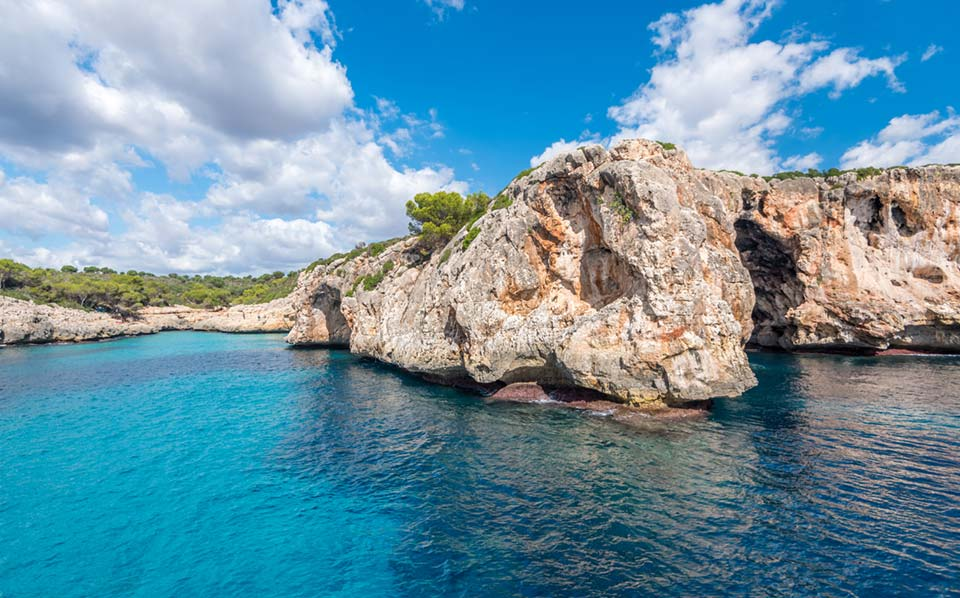 The most beautiful beaches and picturesque, secluded bays can be found on the east coast of Mallorca.
